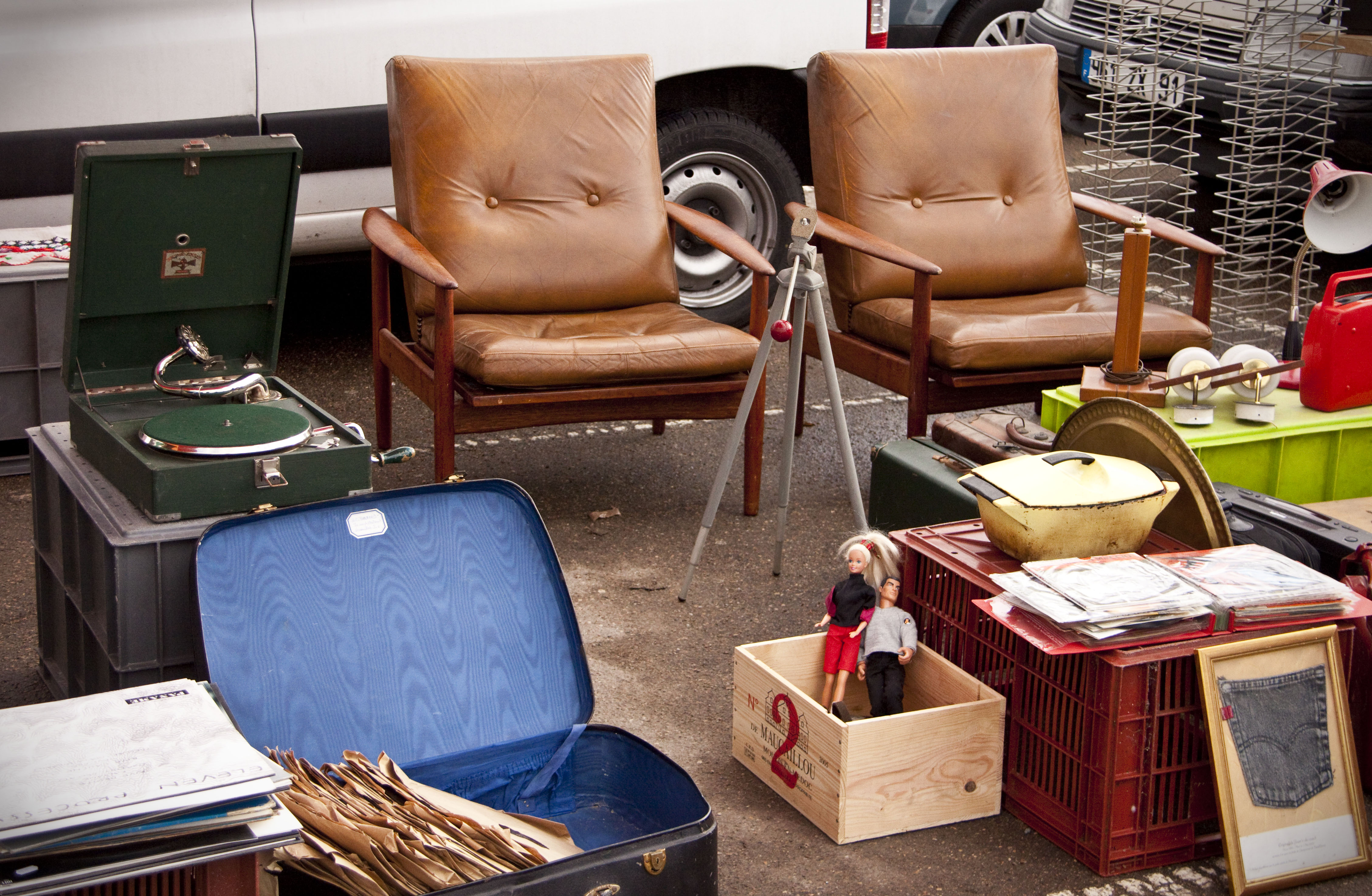 vide grenier paris 29 mai 2011. Black Bedroom Furniture Sets. Home Design Ideas