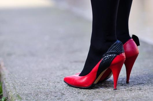 escarpins vintage rouge noir