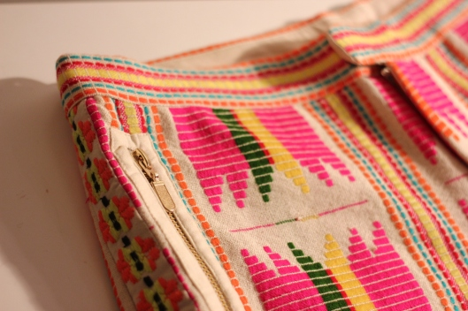 short broderies azteques