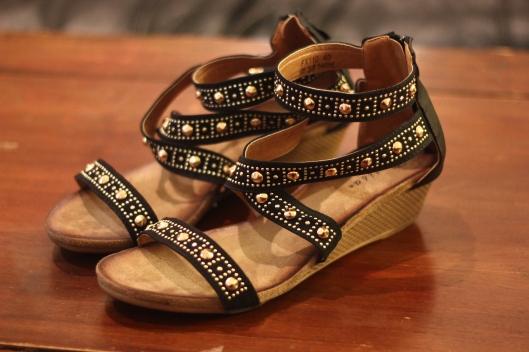 sandales clous tati