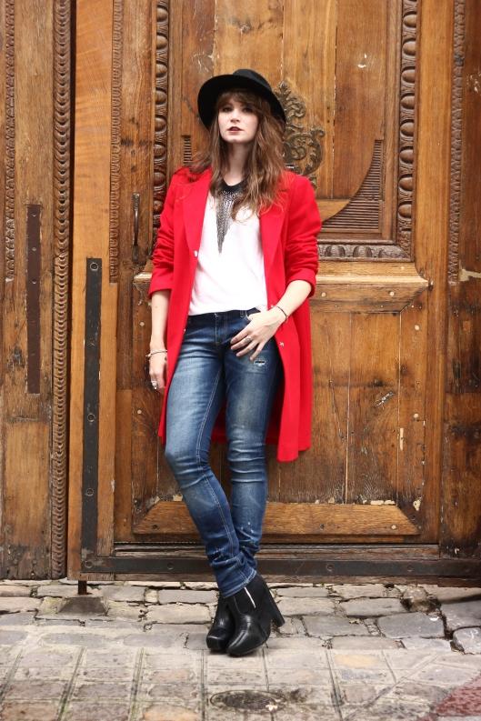 blogueuse manteau rouge
