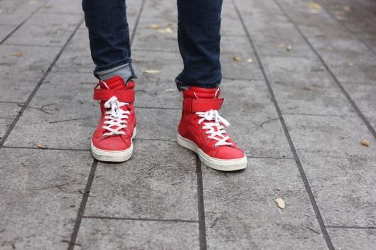 baskets rouges homme
