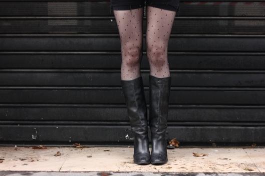jambes plumetis