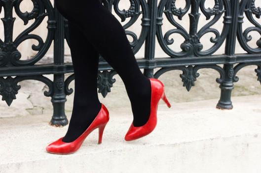 escarpins rouges collants