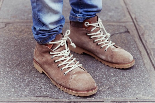 boots daim homme